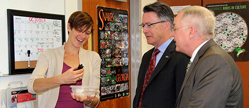 Virginia Tech's President Sands visits the Hopkins Lab